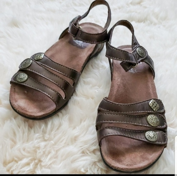 Sandals Brown Leather Velcro Straps